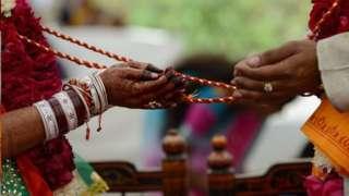 인도에서 결혼은 신성불가침으로 여겨진다