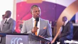 Mchungaji Shepherd Bushiri anasakwa nchini Afrika Kusini kwa mashitaka ya utakatishaji wa fedha