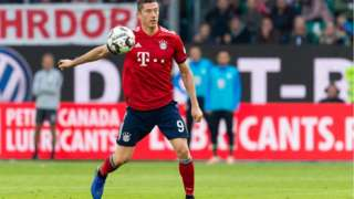 L'attaquant polonais a sauvé le Bayern Munich avec son doublé à Wolfsburg.