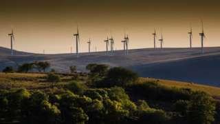 Wind turbines at Cwmllynfell