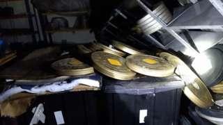 Rolos de filmes registrados por bombeiros que foram apagar incêndio da Cinemateca nesta quinta (29/7)