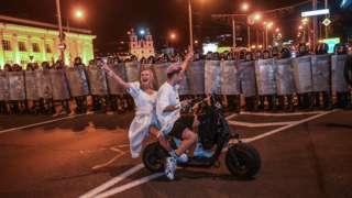 Протестующие в Минске