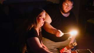 Fort Worth residents still sitting darkness as power outages from the big freeze continue, 21 February, 2021