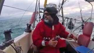 Juan Manuel Ballestero cruzando el Atlántico en su velero.