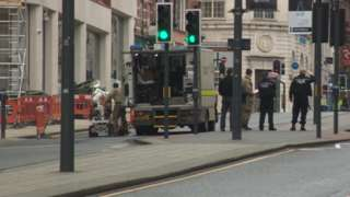 army bomb disposal experts in Leeds