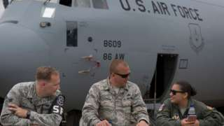 Члены экипажа С-130 ВВС США