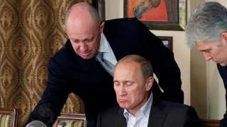 Yevgeny Prigozhin serving President Putin in a Moscow restaurant, 11 Nov 11