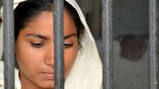 महिला कैदी