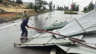 Storm Vamco hits Vietnam