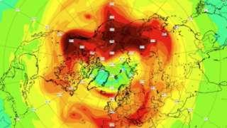 Mapa meteorológico sobre o ártico mostrando o buraco na camada de ozônio antes de se fechar