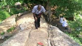 Aworan awọn aladura ninu igbo