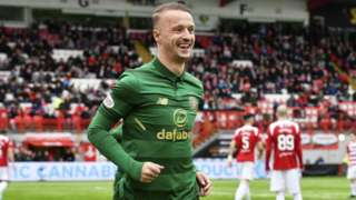 Leigh Griffiths celebrates scoring Celtic's second goal