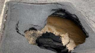 A35 Puddletown bypass sink hole