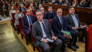 Affedilen dokuz Katalan lider