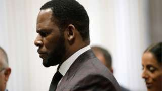 R. Kelly appears for a hearing at Leighton Criminal Court Building in Chicago