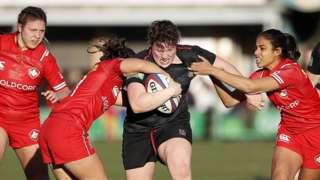 England's Hannah Botterman powers through