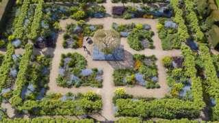 Loseley Park Gardens in Guildford