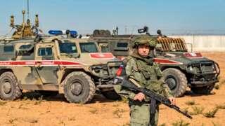Ankara ve Moskova arasında varılan mutabakat kapsamında, Suriye'nin kuzeydoğusunda Türk ve Rus askerleri ortak devriye görevlerine çıkıyor.
