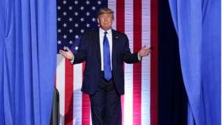 Trump em campanha em uma universidade em Milwaukee