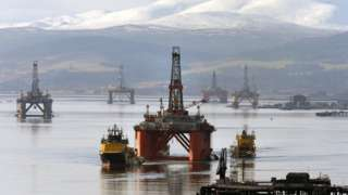 The oil platform Stena Spey amongst other rigs in the Cromarty