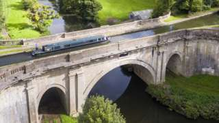 The Dundas aqueduct on the Kennet & Avon canal