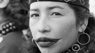 perempuan Ainu