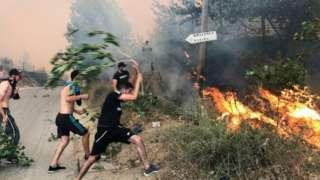 إطفاء حرائق الجزائر