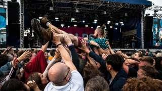 Crowds at Bingley Weekender
