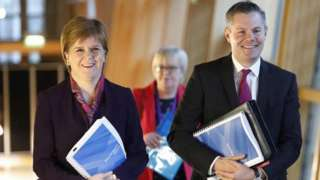 nicola sturgeon and derek mackay