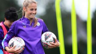 Janine Beckie at Man City training