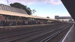 Overcrowding at Redhill station - 11/10/16