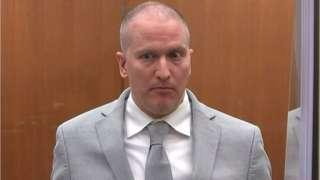 ديريك شوفين في قاعة المحكمة