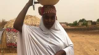 Fatima Jauro wit her calabash of fura