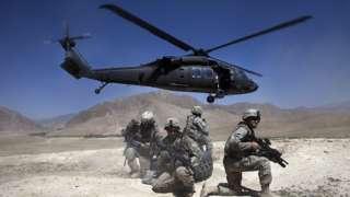 Un Blackhawk en Afganistán.