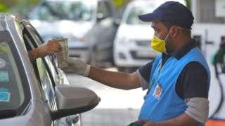पेट्रोल-डिझेलच्या किंमती मे महिन्यात कमी होणार?