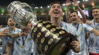 Messi lần đầu tiên giành được chức vô địch một giải đấu lớn cùng đội tuyển quốc gia
