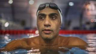 السباح السوري الاجئ إبراهيم الحسين