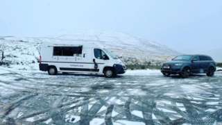 A burger van in a snowy car park in the Brecon Beacons