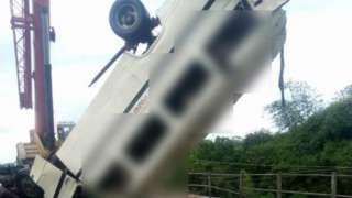 Di bus weyy get accident