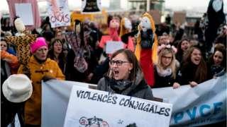 Belçika'da kadınlar, şiddet olaylarını protesto ediyor