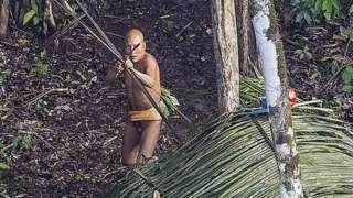 Suku pedalaman yang tak terkoneksi terkadang tidak berinteraksi dengan dunia luar dari generasi ke generasi.