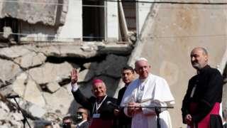 Папа Франциск произнес речь у разрушенных церквей Мосула