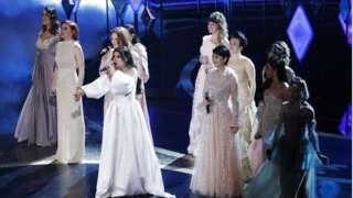 Idina Menzel y otras 9 cantantes en los Oscar