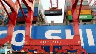Trung Quốc vừa là nhà cung cấp chính về nguyên liệu và sản phẩm đồng thời là khách hàng lớn.