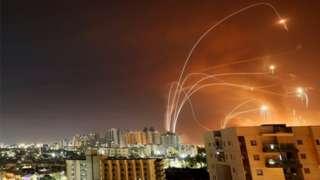 Iron Dome isambura ama rokete ya Hamas