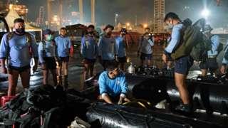 Рятувальники готуються до пошукової операції в морі