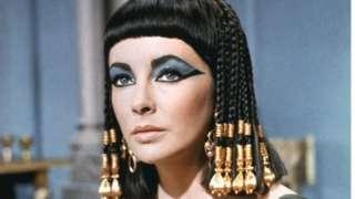 美國影星伊麗莎白·泰勒在好萊塢銀幕上塑造的埃及艷后