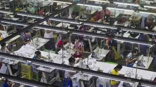 ပြည်တွင်းက အမျိုးသမီးငယ် အများစုကို အလုပ်အကိုင်အခွင့်အလမ်းရရှိစေတဲ့ အထည်ချုပ်ကဏ္ဍ