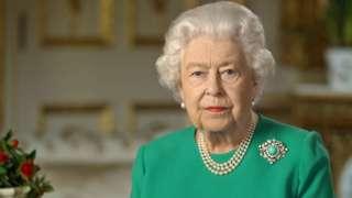 Жекшембиде кечинде королева Елизавета II элге кайрылуу менен чыгып