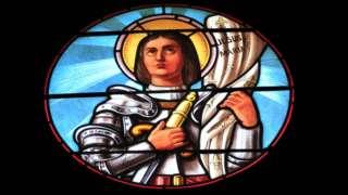 Vitral con la imagen de Juana de Arco